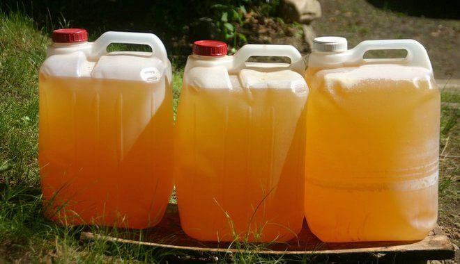urina-v-kanistrah-660x380